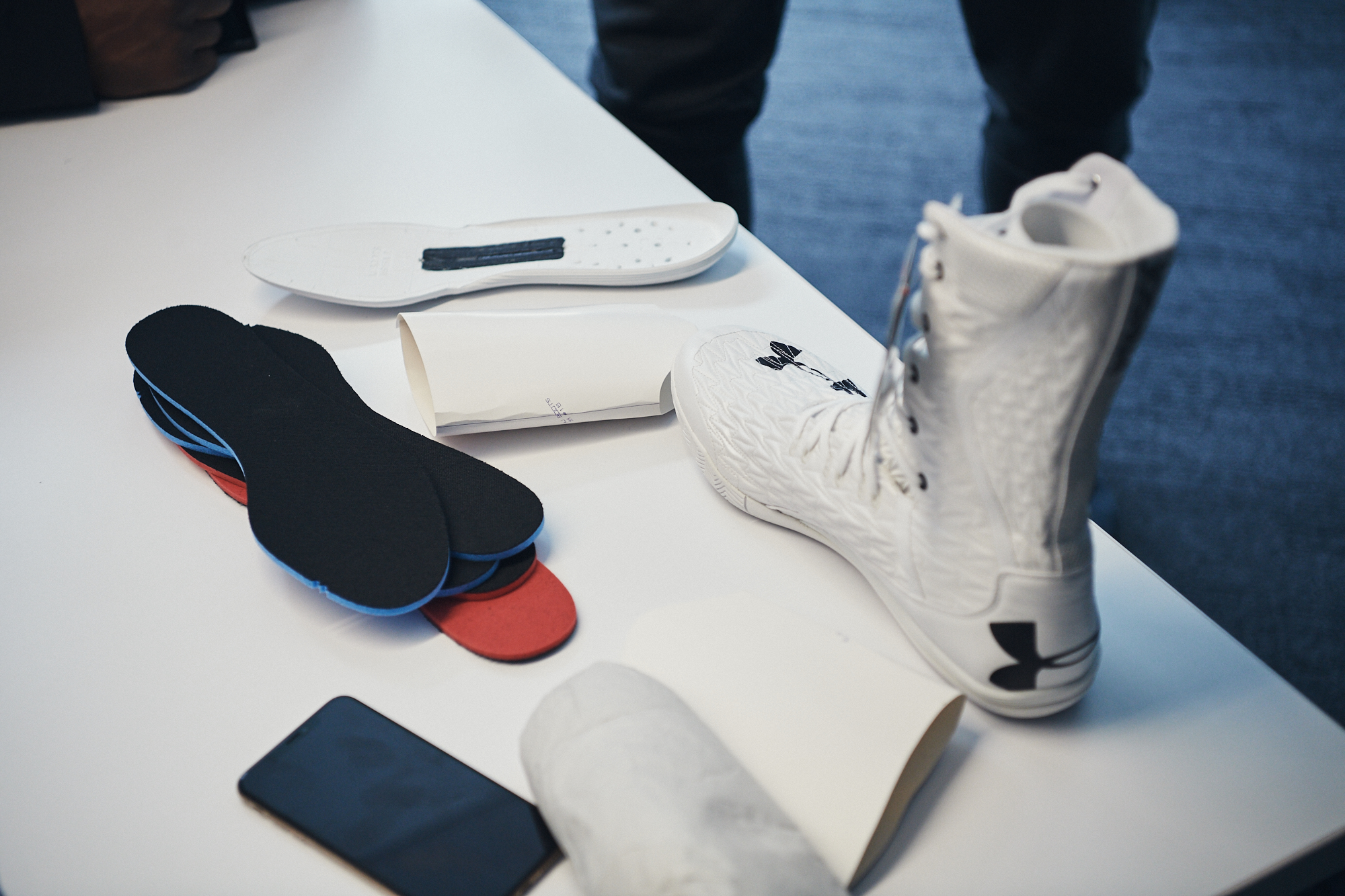 derrocamiento pereza definido  UA Creates Auxetic Boxing Boot for AJ | UA Newsroom